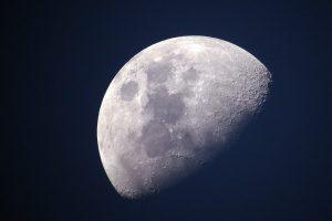 """Китай праща сондата Chang'e 4 да отглежда растения на """"тъмната страна"""" на Луната"""