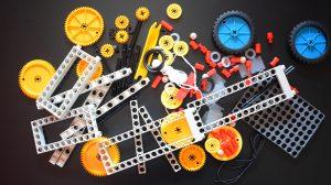 Игра на наука: Да тестваме физиката вкъщи! От гравитационен мотор до катапулт с Thames & Kosmos