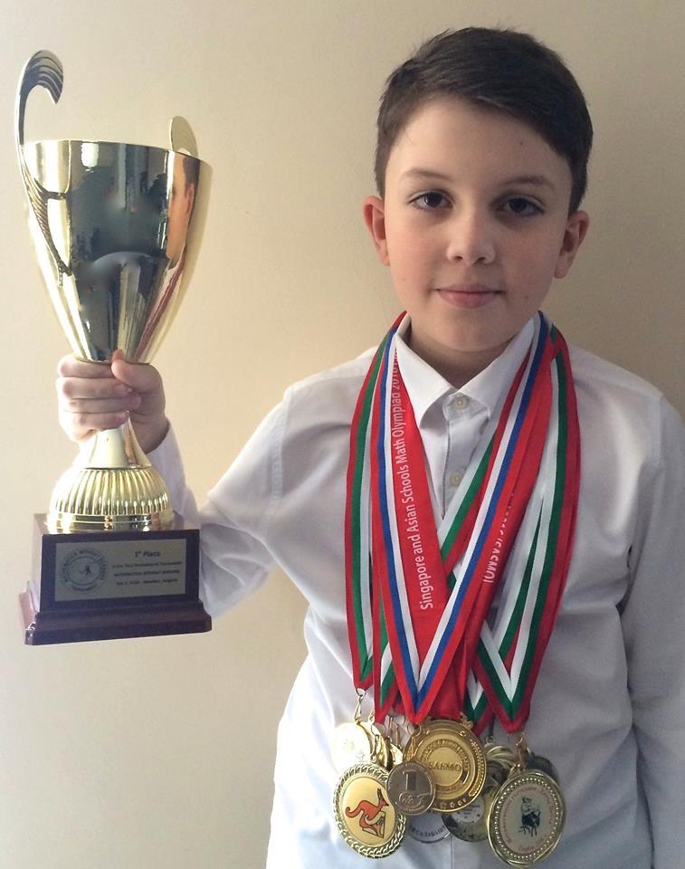 [Интервю с олимпиец] 11-годишен ученик с над 50 медала от математически състезания - Огнян Огнянов пред MediaBricks.bg