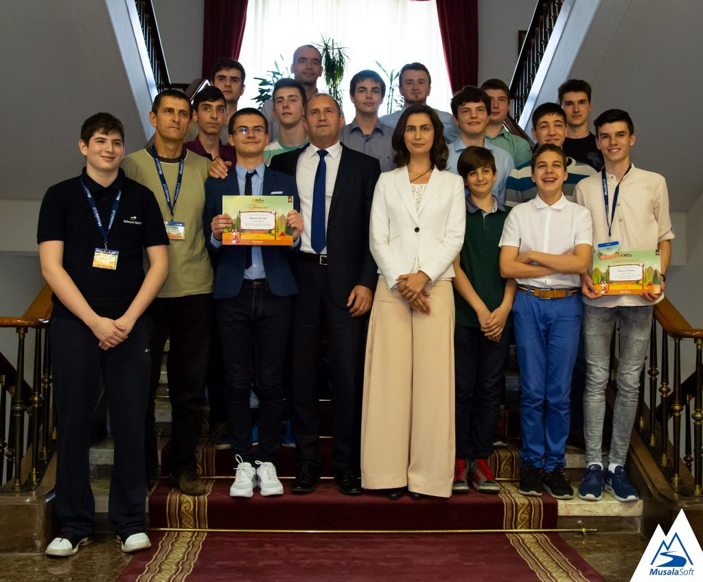 Мартин Копчев спечели Международния конкурс по програмиране CodeIT на Мусала Софт
