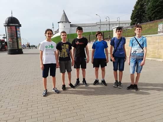 Шест медала за българските младежи по информатика от Международната школа по програмиране ISI - junior