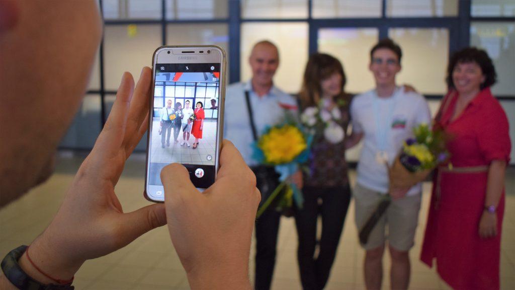 Златните ни ученици по химия се прибраха в България от Международната олимпиада