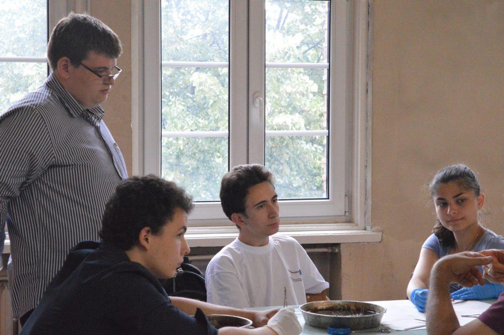 Вижте подготовката на учениците ни по биология за Международната олимпиада