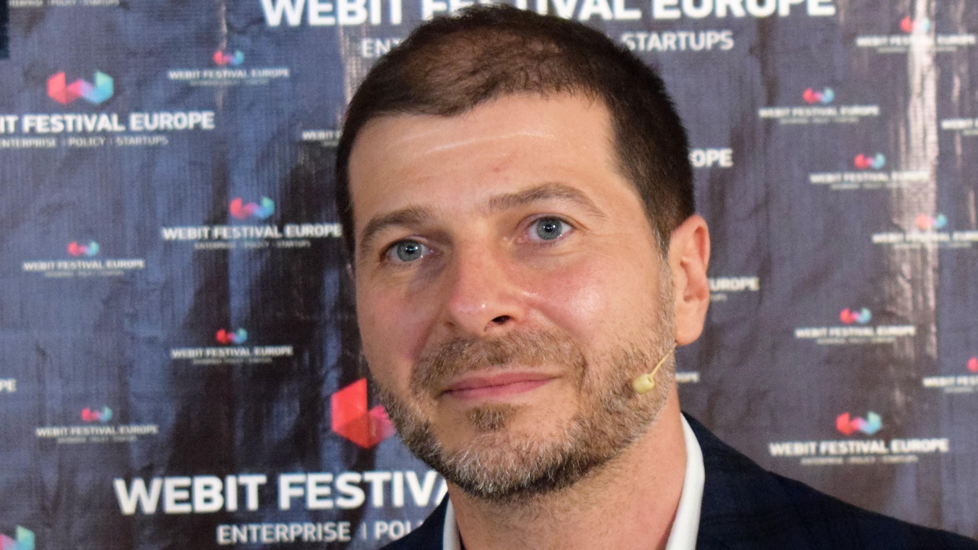 Основателят на Webit Пламен Русев към 3000 умни младежи: Лудите променят света! [видео]