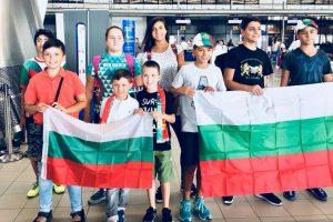 Млади български математици заминаха за Международната олимпиада на Хонг Конг