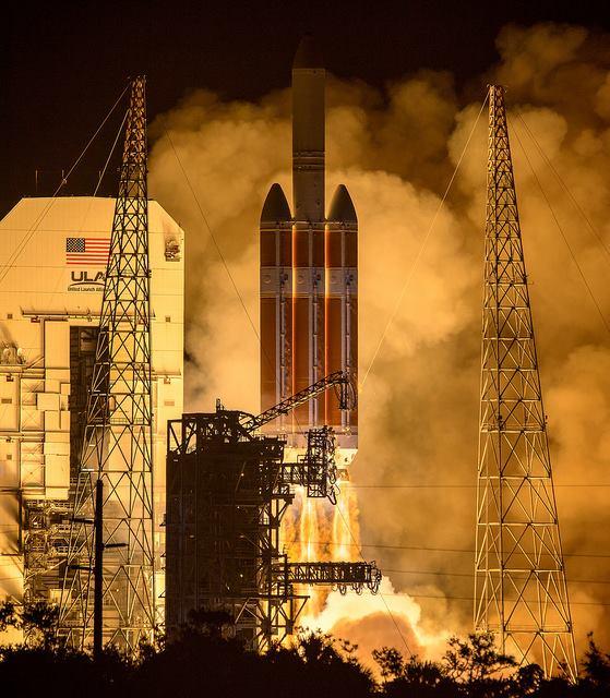 НАСА изстреля първия апарат, направен от човека, който нарочно ще докосне Слънцето