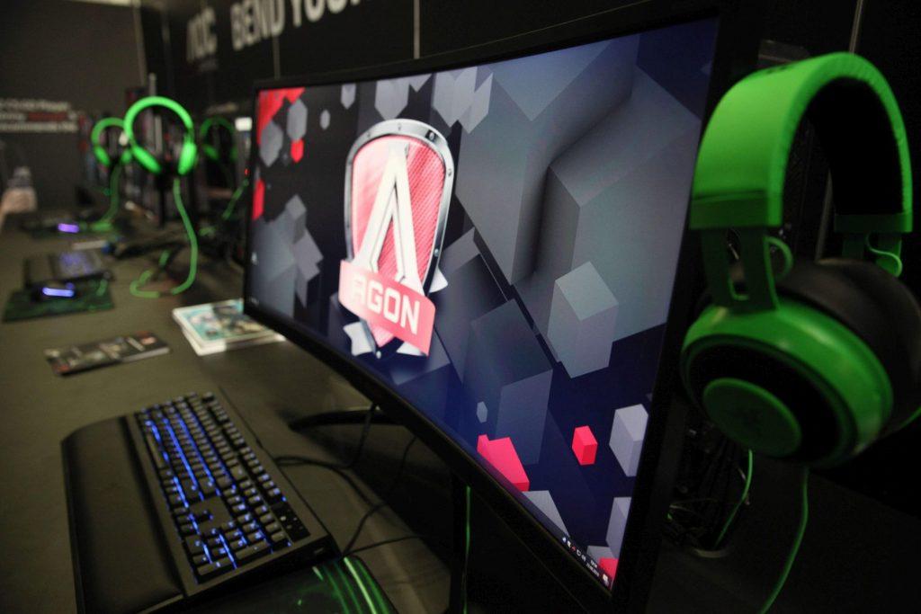 Щефан Зомер от AOC: Играчите на електронни игри рязко се увеличават и може да стигнат 2,6 млрд. души до 2020 г.