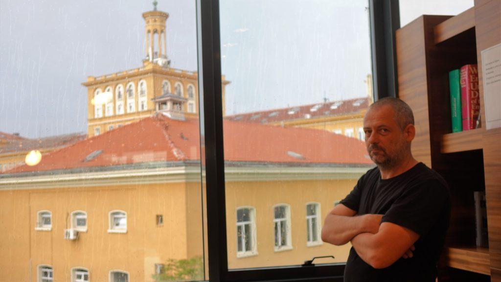Доц. Владимир Гелев: В света на бляскавата наука има умни и добри, а има и болно-амбициозни хора