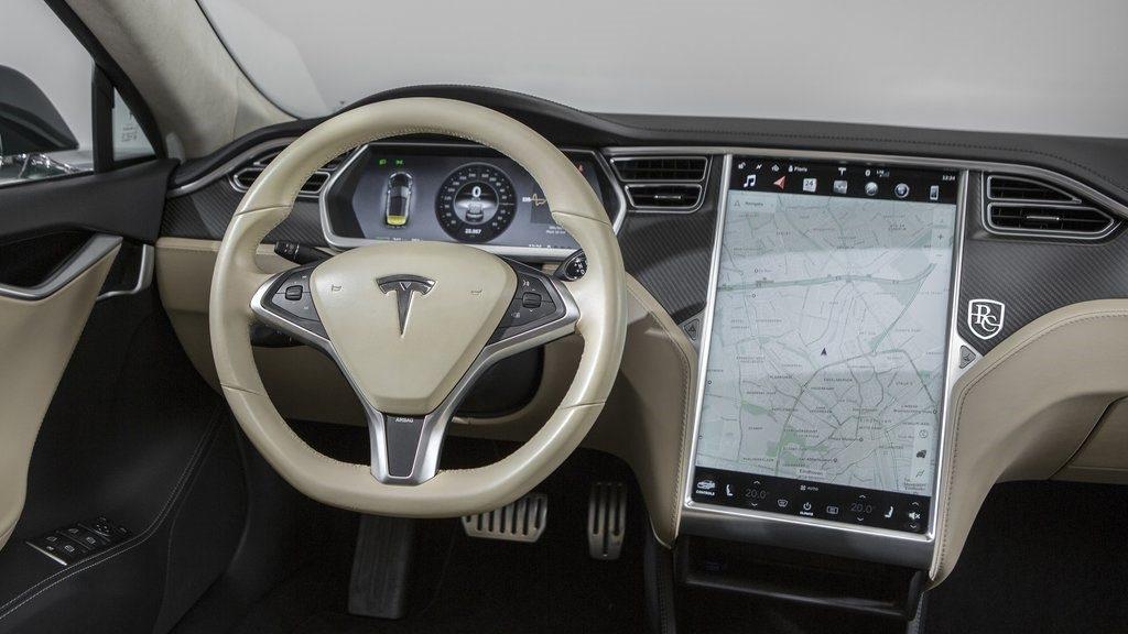 Вижте новата луксозна Tesla Model S 75D на българското изложение ELECTRO MOBILITY EXPO