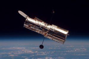 """Космическият телескоп """"Хъбъл"""" превключи на Safe Mode след отказ на жироскоп"""