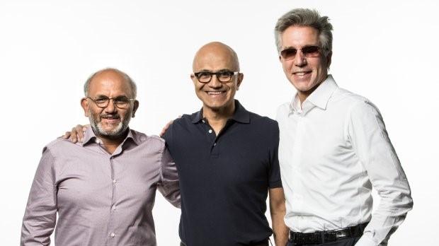 Шантану Нарайен, главен изпълнителен директор на Adobe, Сатя Надела, главен изпълнителен директор на Microsoft, и Бил МакДърмот, главен изпълнителен директор на SAP