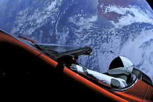 Starman подмина Марс в космическата Tesla на Илън Мъск