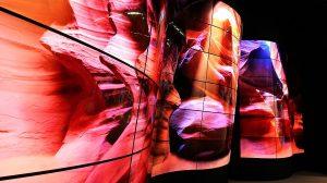 LG представи подвижен извит OLED дисплей
