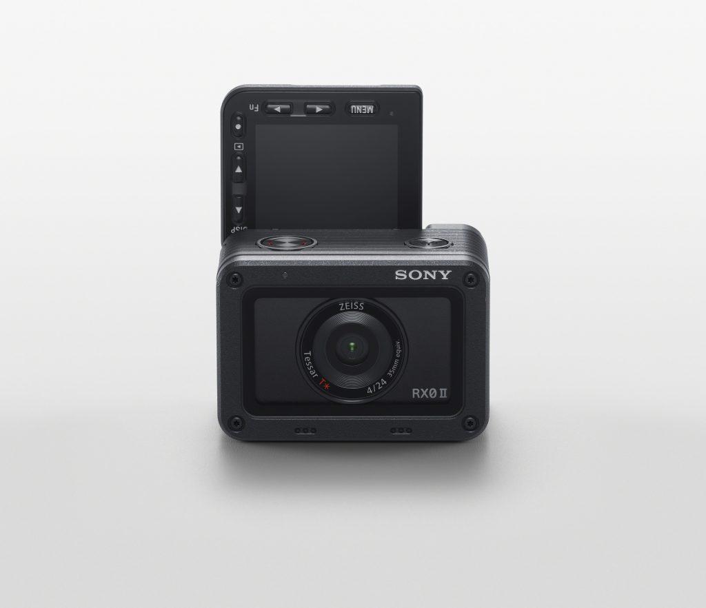 Sony представи най-малкия и най-лек ултракомпактен фотоапарат в света - RX0 II