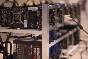 """ЧЕЗ обяви, че незаконни """"копачки"""" на виртуална валута крадат по 50 000 кВтч."""