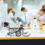 """В събота ще се проведе четвъртият Фестивал """"Роботика за България"""" с над 120 ученици в 30 отбора"""