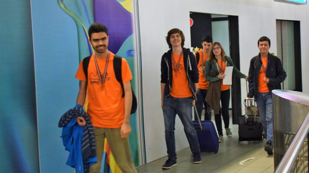 С 5 медала се прибраха българските гимназисти от Европейската олимпиада по физика