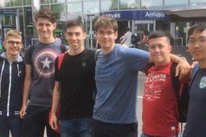 Шестима български ученици участват на най-силното състезание по математика за годината