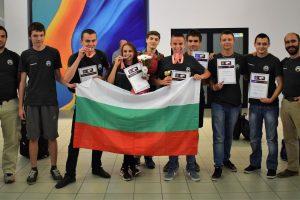 """Гимназистите на НПМГ се завърнаха с 3 медала и 3 почетни грамоти от Олимпиада """"Туимаада"""""""