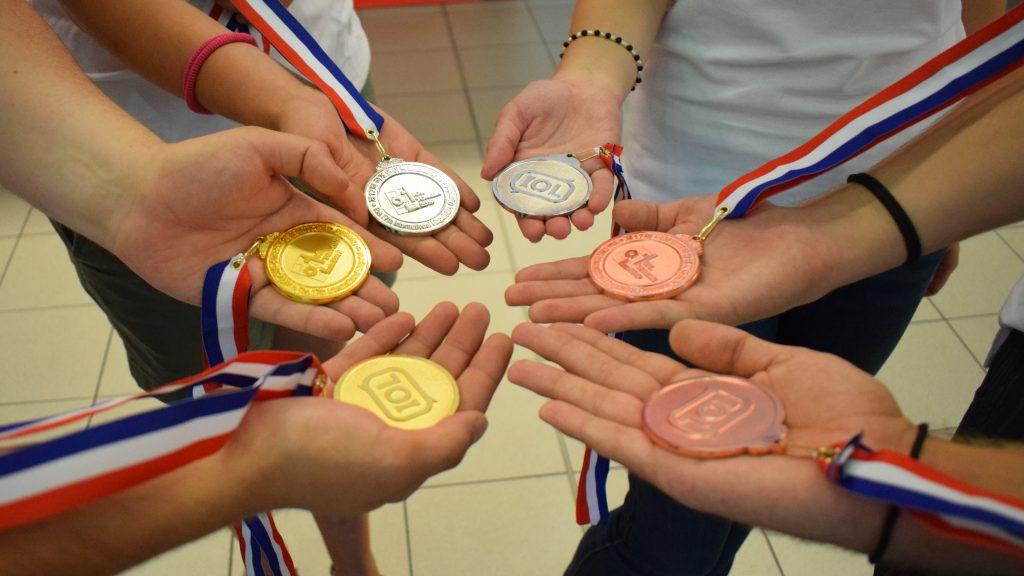 С 6 медала се завърнаха българските лингвисти от Международната олимпиада в Южна Корея