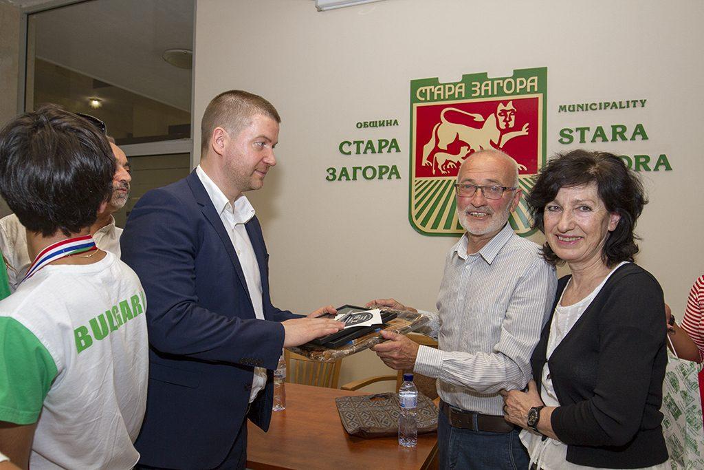 В Стара Загора правят академия за даровити деца под ръководството на Любомир Любенов