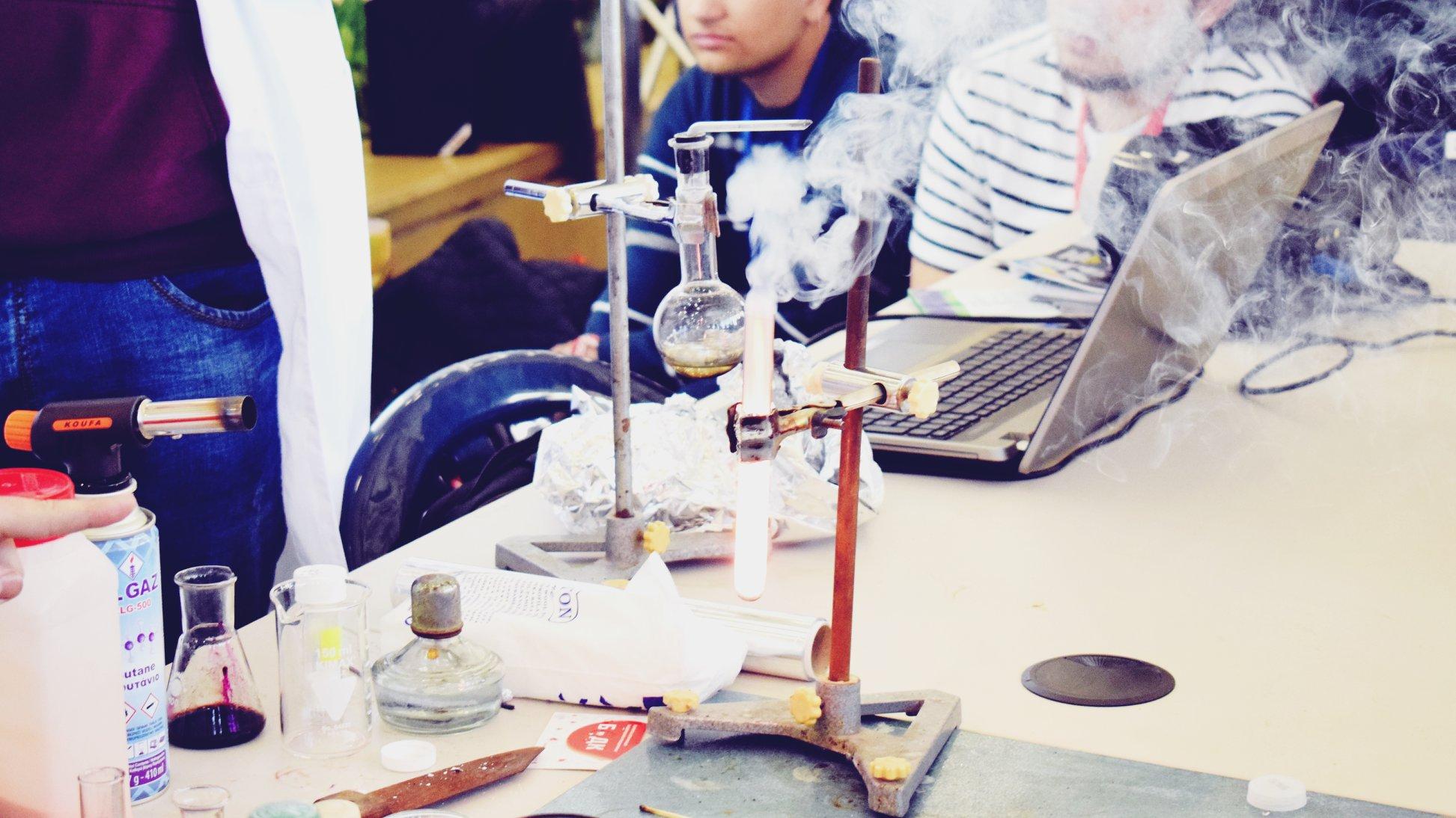 """Водещи професионалисти се включват в трите модула на училищния фестивал """"Намереното поколение"""""""