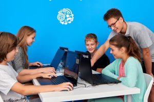Безплатни демо уроци по програмиране за деца организира международната школа Logiscool в София