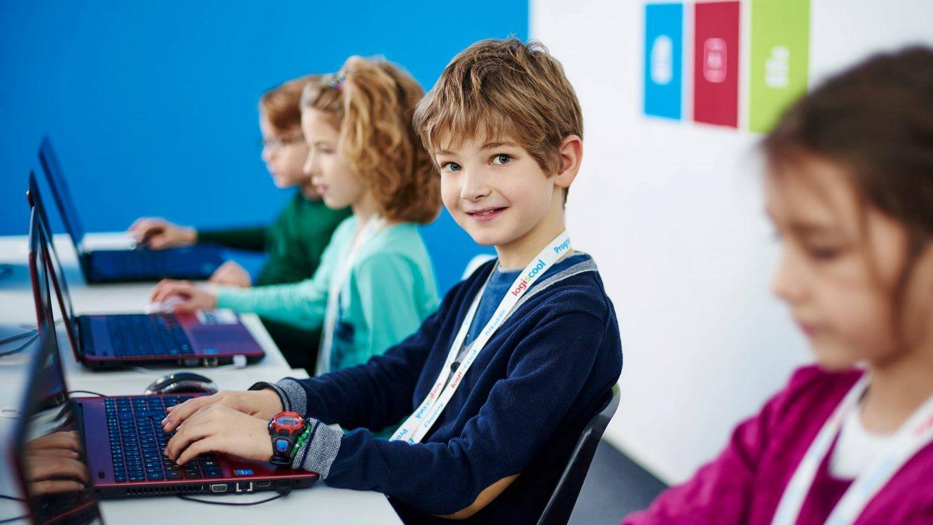 Международната школа по програмиране Logiscool отвори врати за ученици в България