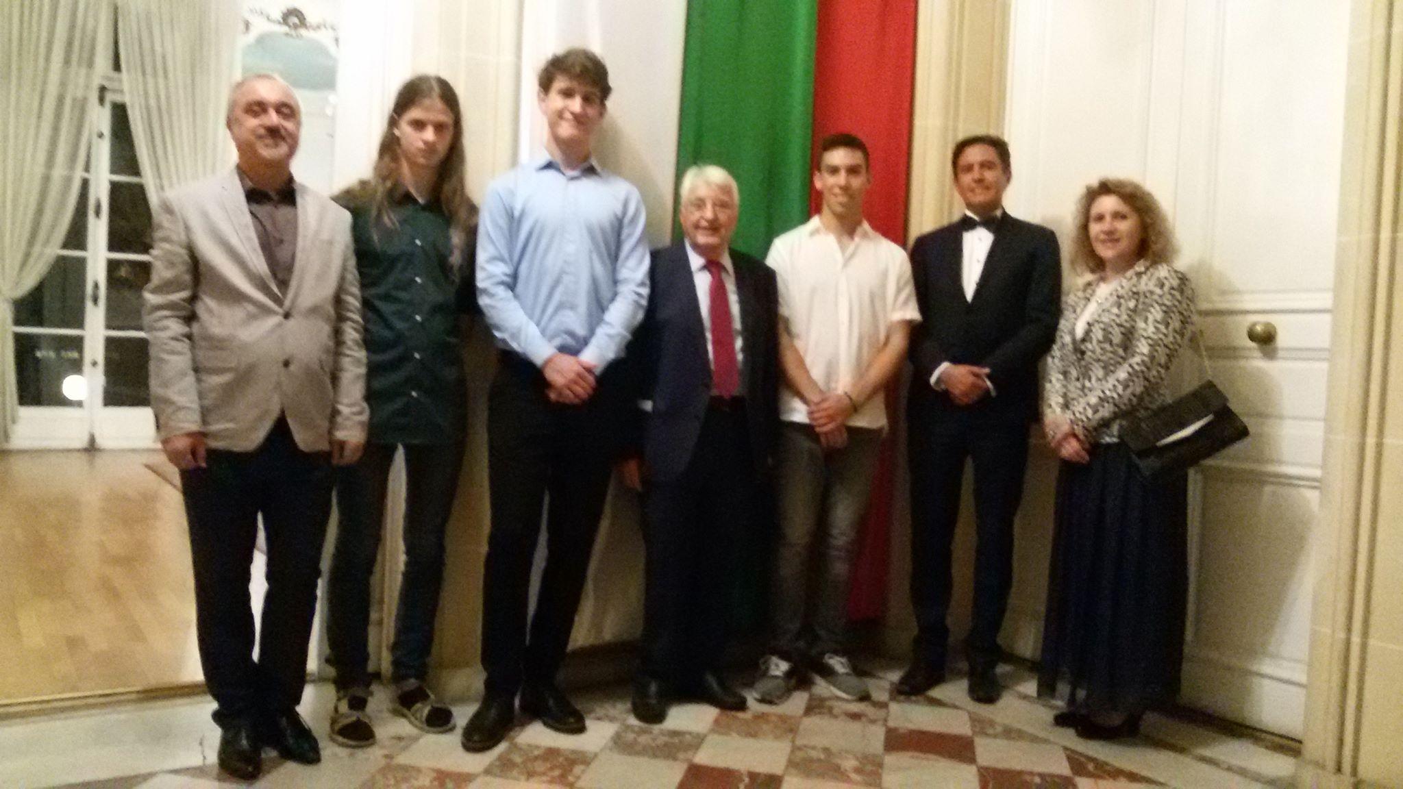 Проф. Минко Балкански лично награди българските ученици спечелили конкурсите по математика и физика