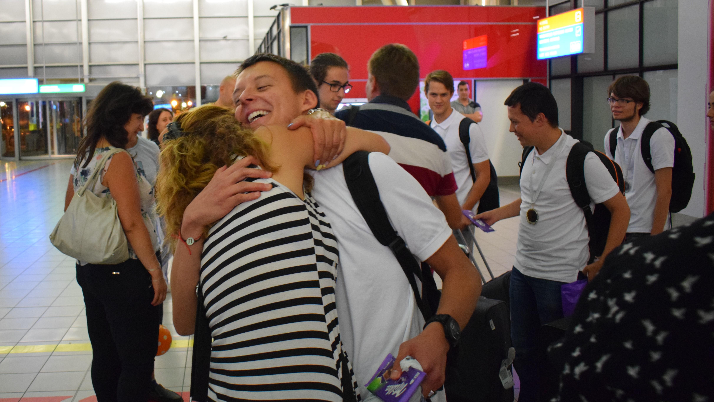 Златно завръщане с 2 купи и 8 медала за българските ученици от Олимпиадата на Метрополисите
