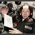 Почина космонавтът Алексей Леонов - първият човек, излязъл в открития Космос (видео)