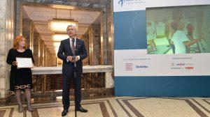 """ТехноЛогика спечели наградата на Български дарителски форум за """"Най-добра дарителска програма"""""""