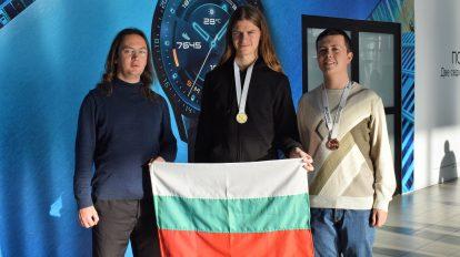 Златно завръщане за българските ученици, спечелили медали от Международната олимпиада по експериментална физика