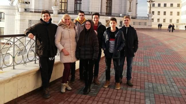 7 български ученици участват на финала на международния турнир по информатика Innopolis Open
