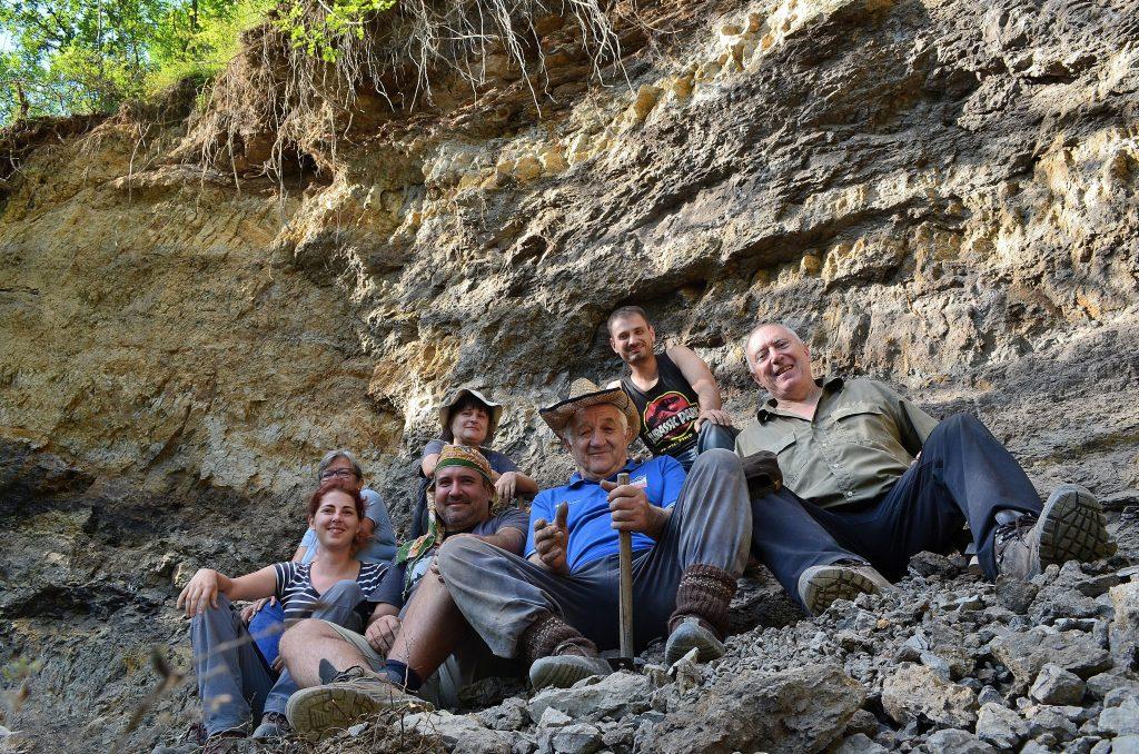 Научна статия на български учени описва първата находка на титанозавър в България