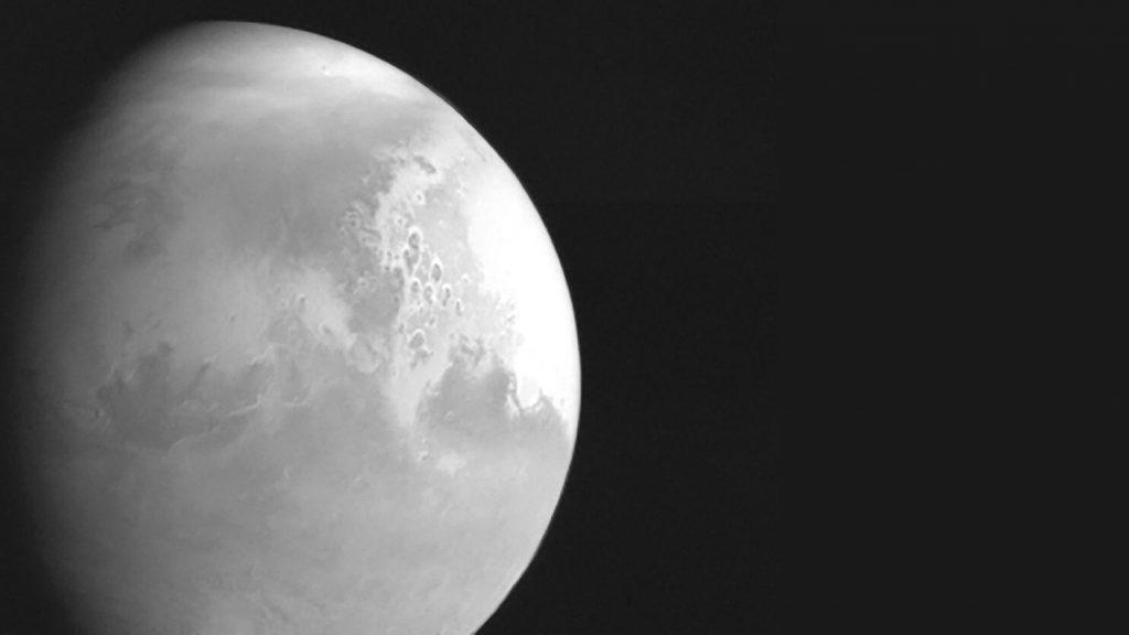 Амбициозната китайска мисия Tianwen-1 успешно влезе в орбита около Марс (видео)