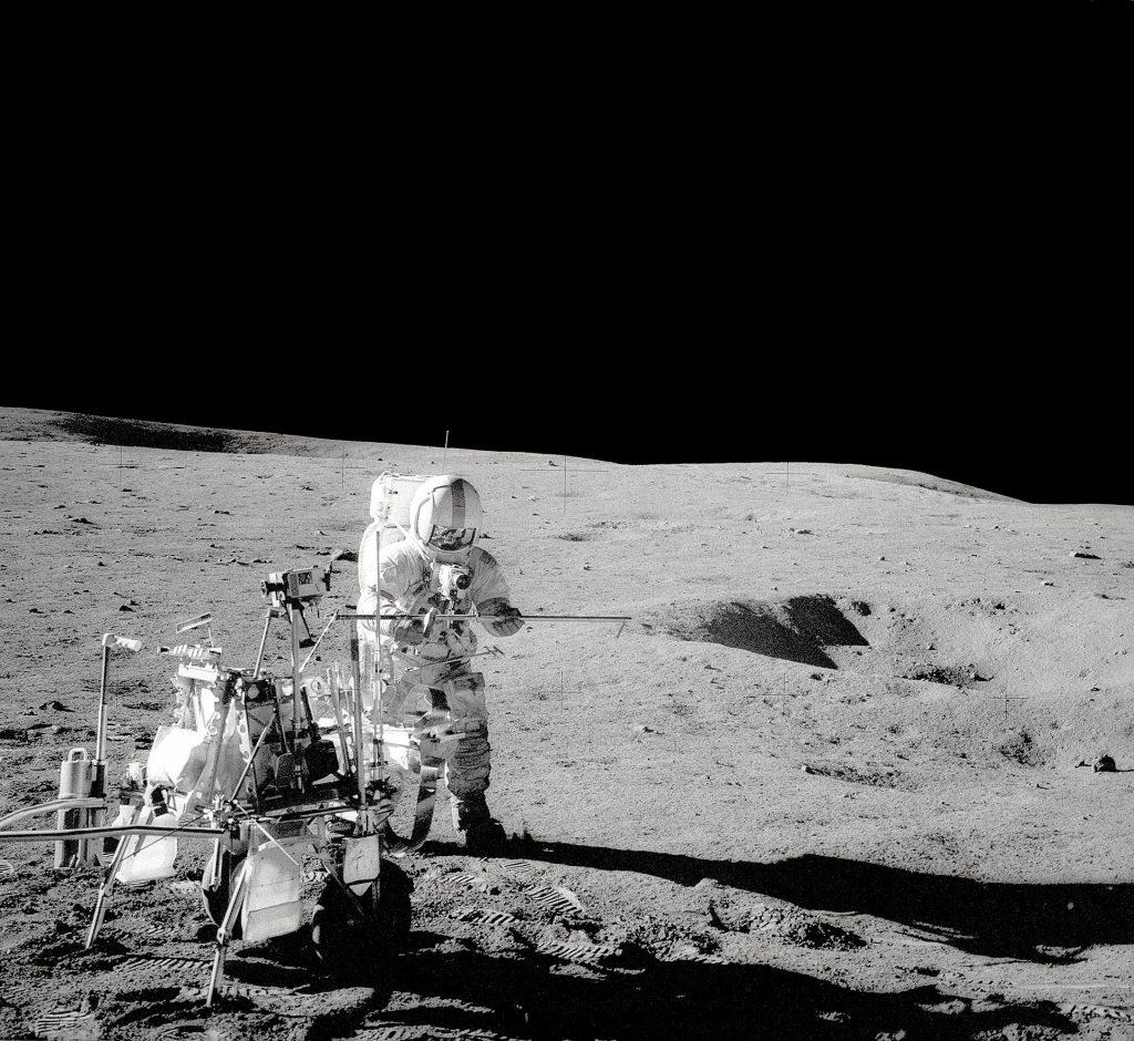 50 години от успешното кацане на мисията Аполо 14 на Луната (видео)
