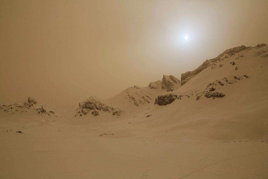 Швейцарски Алпи, Марсианско небе (Астрономическа снимка на деня – APOD)