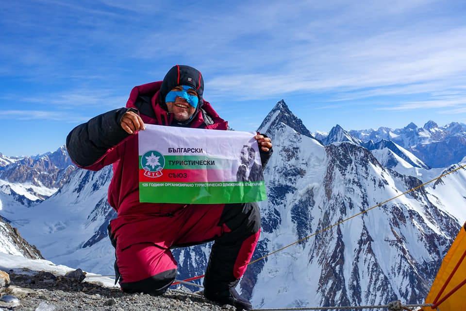 Българският алпинист Атанас Скатов е паднал при слизане, след неуспешна атака на връх K2