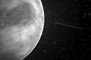 Прелитане край Венера (Астрономическа снимка на деня – APOD)