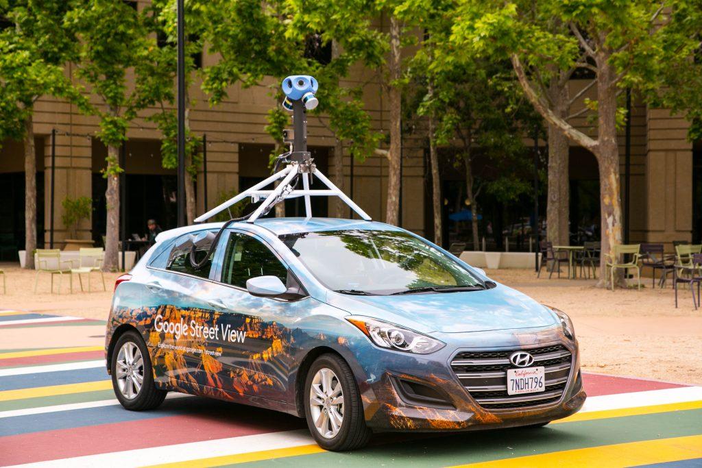 От 26 март автомобилите на Google Street View започват новата си обиколка на България