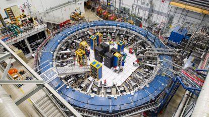 Потвърденото трептене на мюони остава необяснено (Астрономическа снимка на деня – APOD)