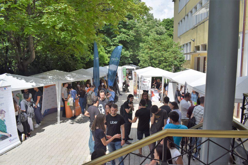 Над 40 компании взеха участие във Форума на кариерното развитие на Факултета по математика и информатика на СУ