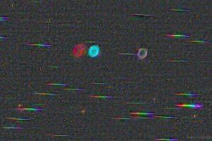 Цветове: Мъглявината Пръстен срещу звезди (Астрономическа снимка на деня – APOD)