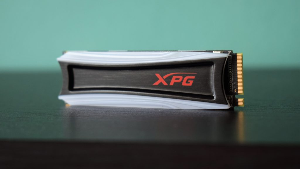 ТехРевю: ADATA XPG S40G – бързо SSD с RBG подсветка (видео)