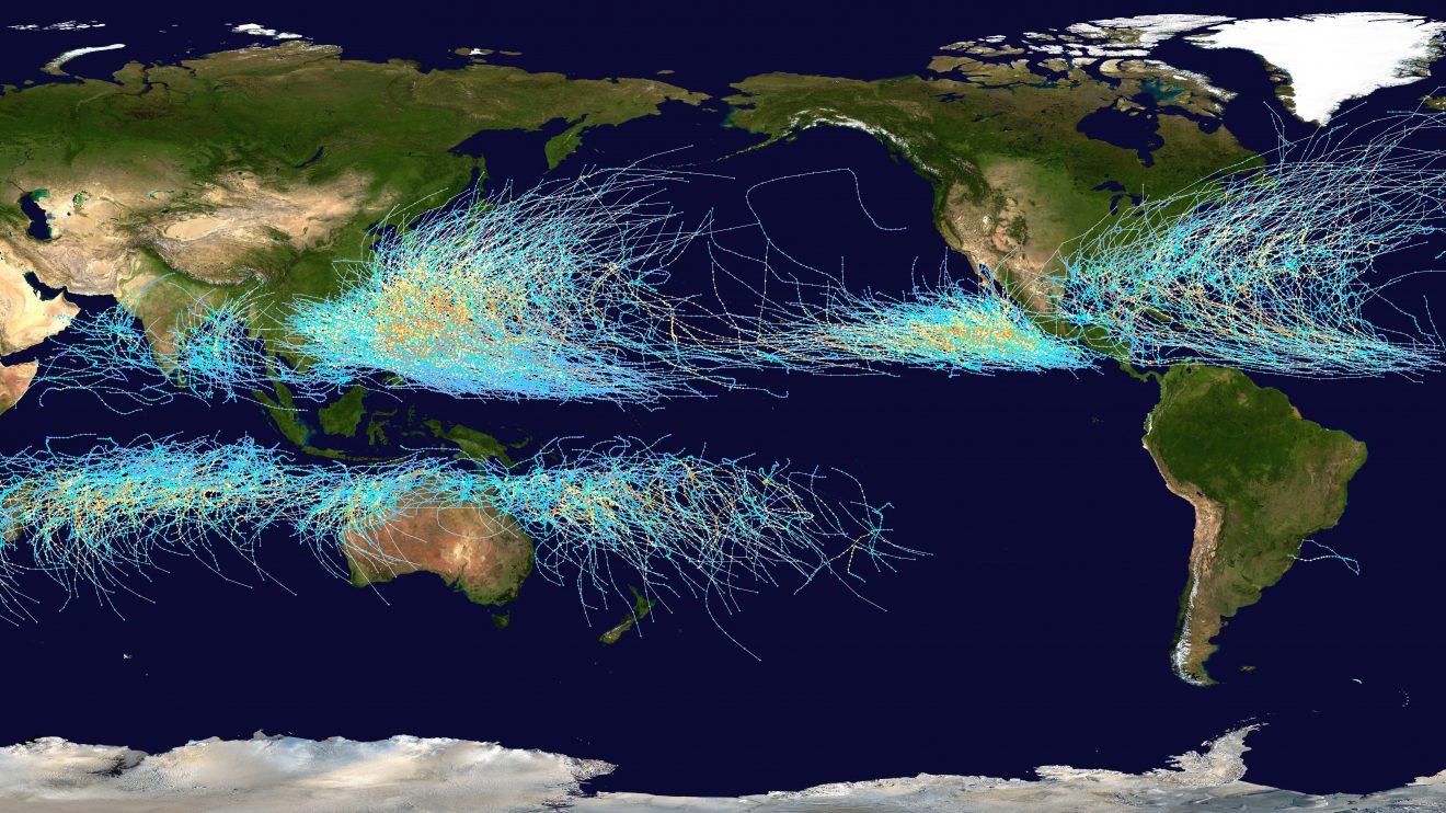 Пътищата на циклоните на планетата Земя (Астрономическа снимка на деня – APOD)