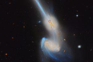 """NGC 4676: Когато """"мишки"""" се сблъскват (Астрономическа снимка на деня – APOD)"""